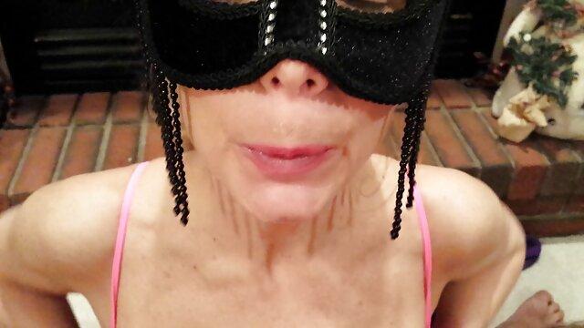 Jessica baisée en hamster video pornos uniforme