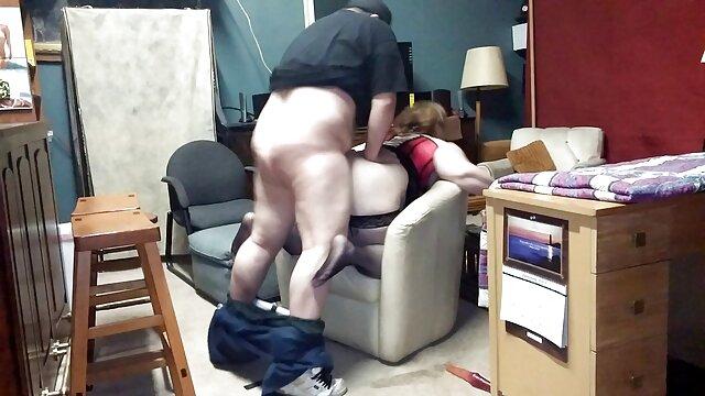 Sabrine Maui a 19 ans nain porno et est naturelle
